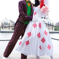 Wedding harley quinn wedding dress that cosplay couple for Harley quinn wedding dress